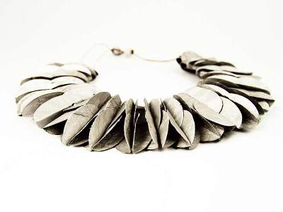 necklace_featherflat_white (1)