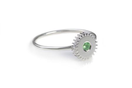 Medium_Silver_Flat_Green